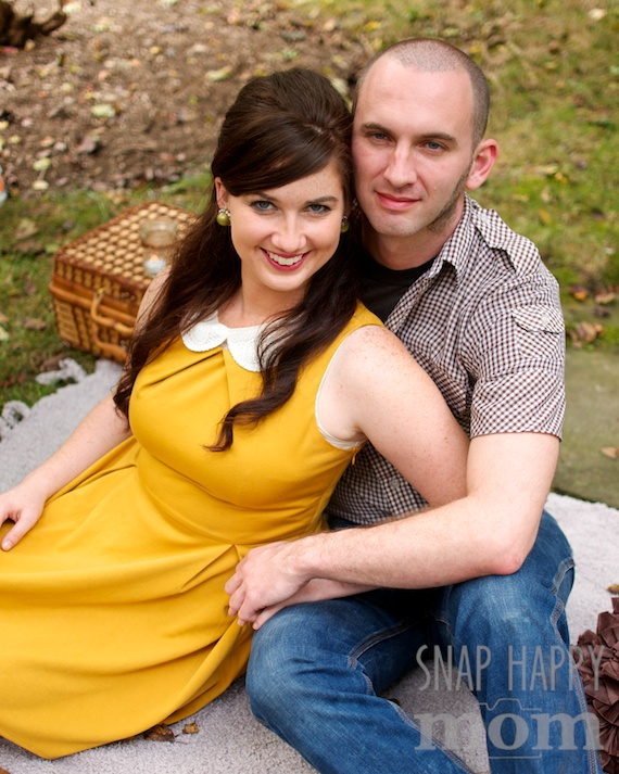Romantic Couples Photos - www.SnapHappyMom.com