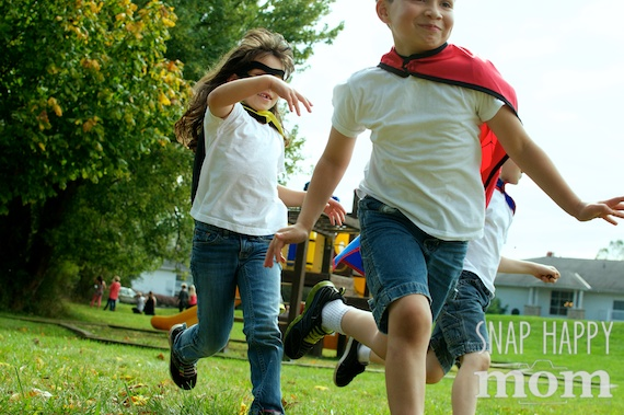 Super Hero Kids Photography - www.SnapHappyMom.com