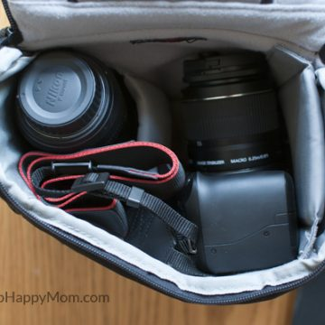 How To Put a DSLR in a Bag Safely - www.SnapHappyMom.com