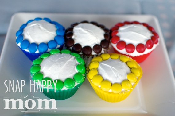 Olympics Birthday Party from SnapHappyMom.com - Olympic Rings Cupcakes