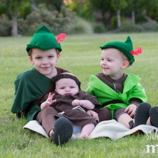 Our Family Costumes This Year: Robin Hood