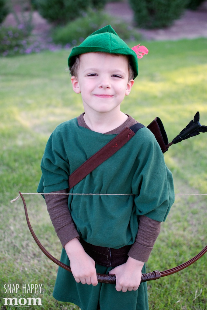 Robin Hood Family Costumes - handmade Robin Hood costume for a boy - SnapHappyMom.com  sc 1 st  Snap Happy Mom & Happy Halloween From The Sherwood Forest - Family Robin Hood ...
