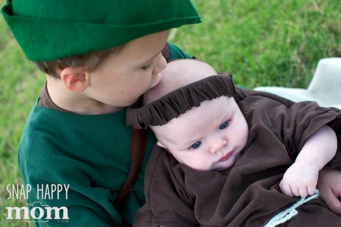 Robin Hood Family Costumes - SnapHappyMom.com