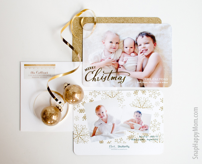 Finding The Perfect Gold Foil Holiday Card - SnapHappyMom.com - Gold Glitter Look