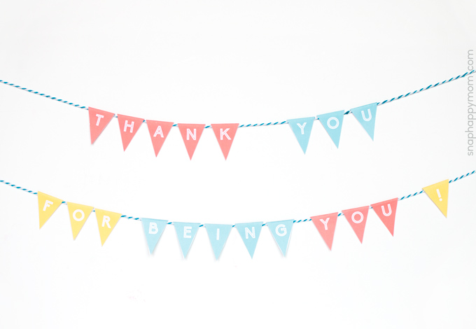 """Thank You"" Mini Bunting Banner [Free Printable] from SnapHappyMom.com"